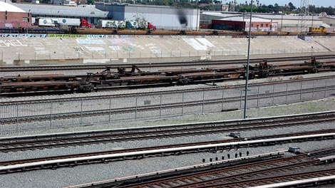 LARiver_railyards
