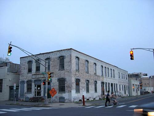 'Low road' building, Main Street, from crossing
