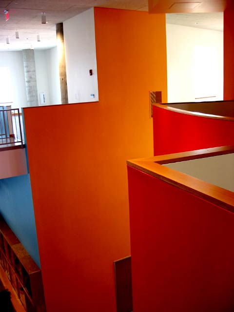 Stata, interior stairwell, coloured walls