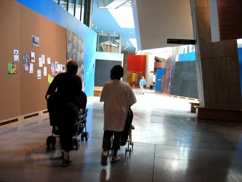 Stata, strollers on the infinite corridor