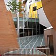 Stata, railings over glass roof