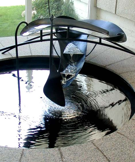 Calder_mercuryfountain