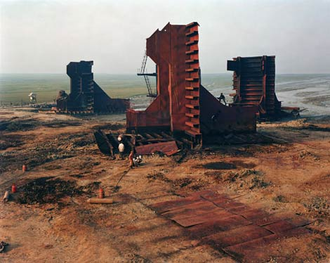 Edward Burtynsky Shipbreaking photograph